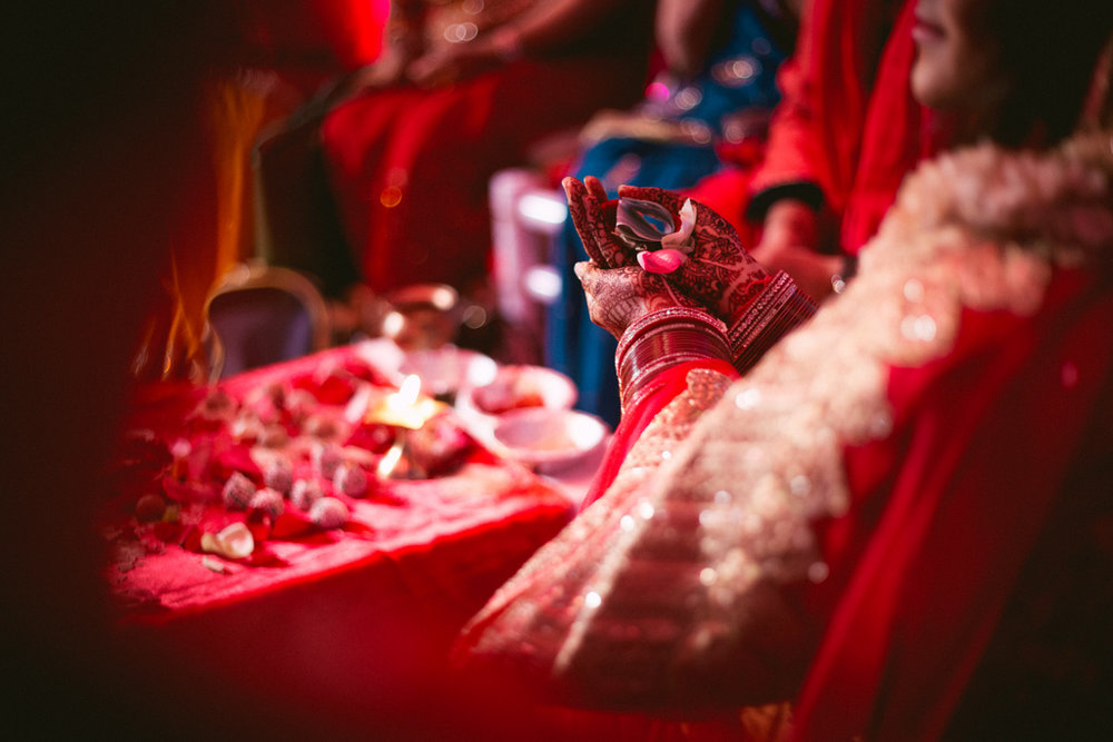 destination-dubai-hindu-wedding-into-candid-photography-pd-00461.jpg