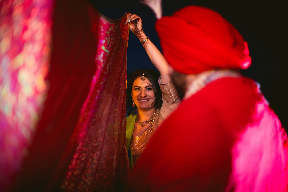 destination-dubai-hindu-wedding-into-candid-photography-pd-00521.jpg