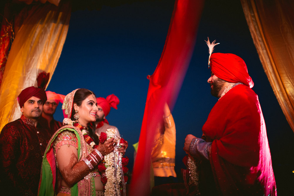 destination-dubai-hindu-wedding-into-candid-photography-pd-00511.jpg