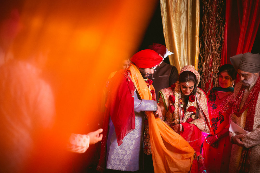 destination-dubai-hindu-wedding-into-candid-photography-pd-00631.jpg