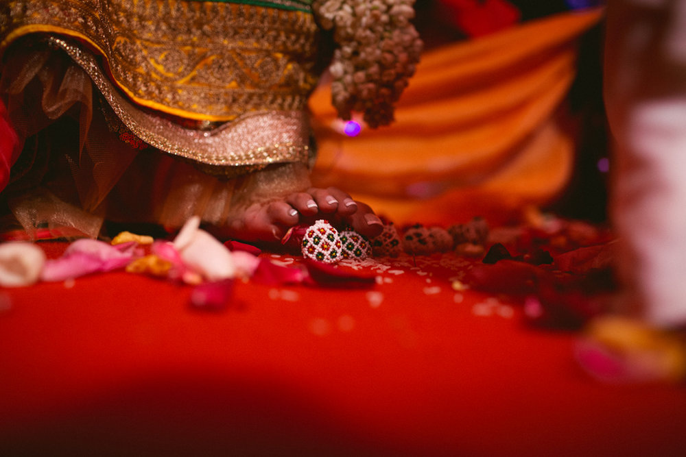 destination-dubai-hindu-wedding-into-candid-photography-pd-00651.jpg