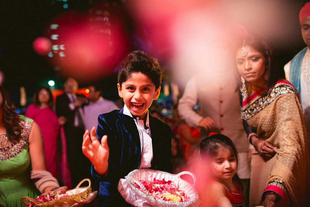 destination-dubai-hindu-wedding-into-candid-photography-pd-00681.jpg