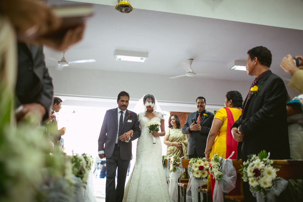 mumbai-church-wedding-into-candid-photography-mr-49.jpg