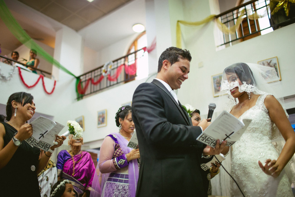 mumbai-church-wedding-into-candid-photography-mr-64.jpg