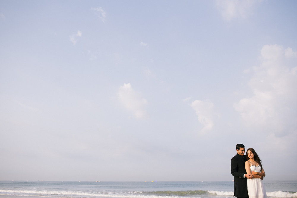 goa-beach-pre-wedding-couple-session-into-candid-photography-mk-13.jpg