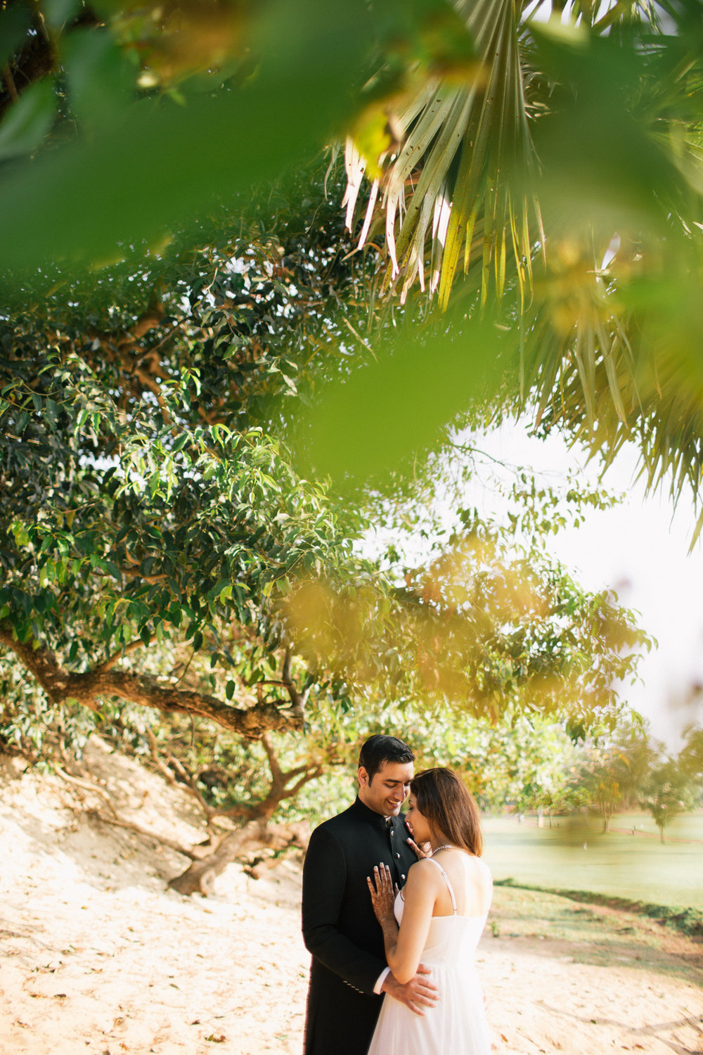 goa-beach-pre-wedding-couple-session-into-candid-photography-mk-27.jpg