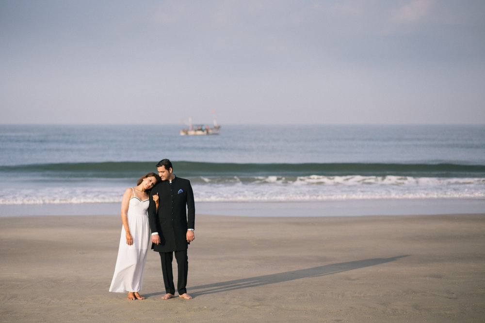 goa-beach-pre-wedding-couple-session-into-candid-photography-mk-211.jpg