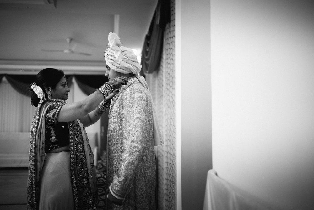 into-candid-photography-hindu-wedding-mumbai-ks-06.jpg