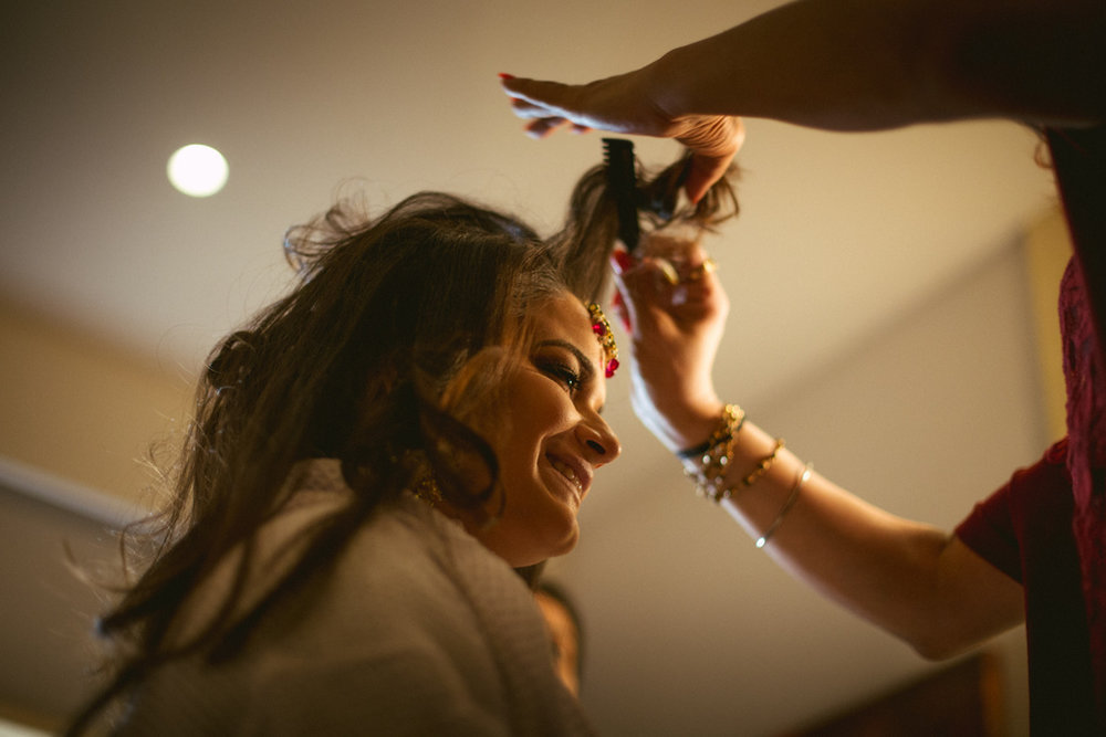into-candid-photography-hindu-wedding-mumbai-ks-07.jpg