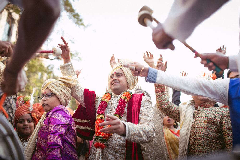 into-candid-photography-hindu-wedding-mumbai-ks-17.jpg