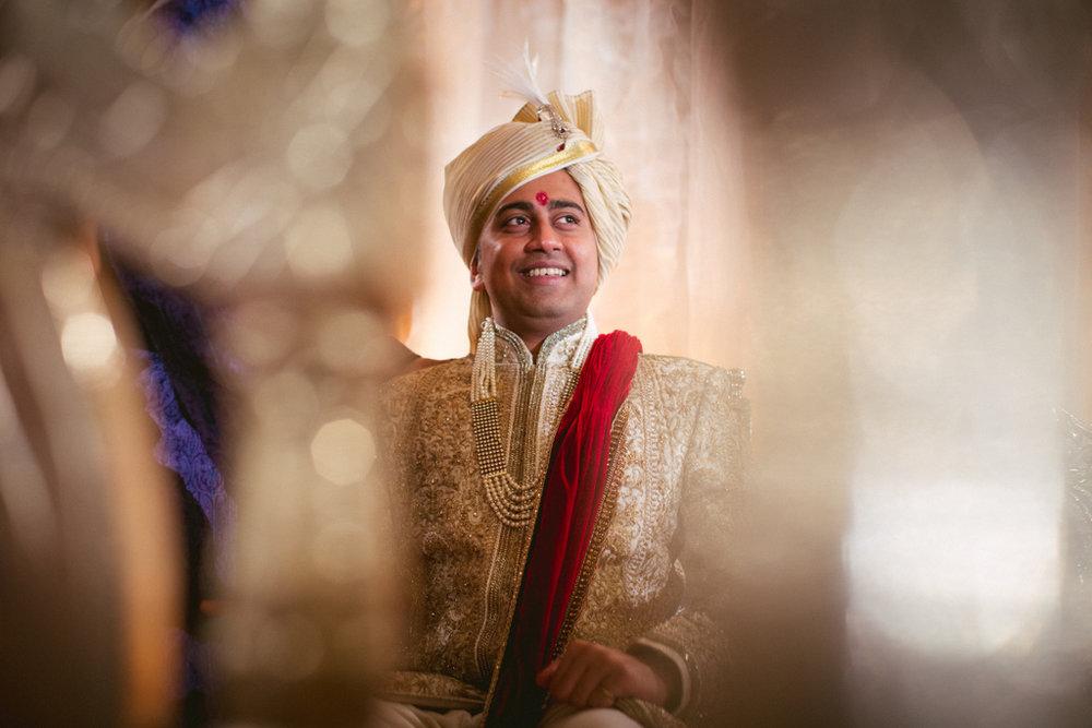 into-candid-photography-hindu-wedding-mumbai-ks-25.jpg
