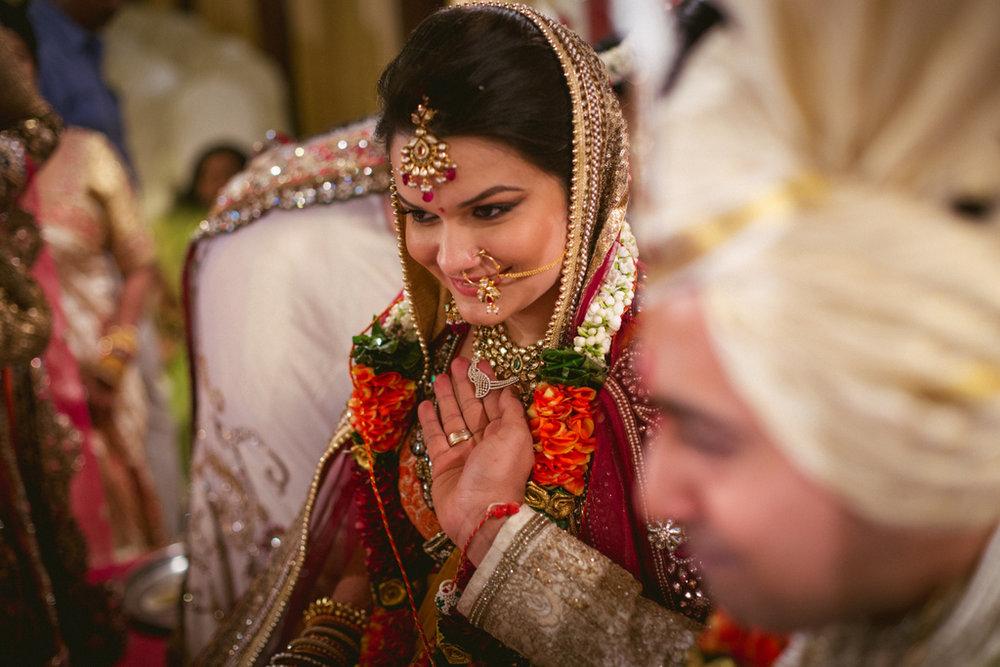 into-candid-photography-hindu-wedding-mumbai-ks-42.jpg
