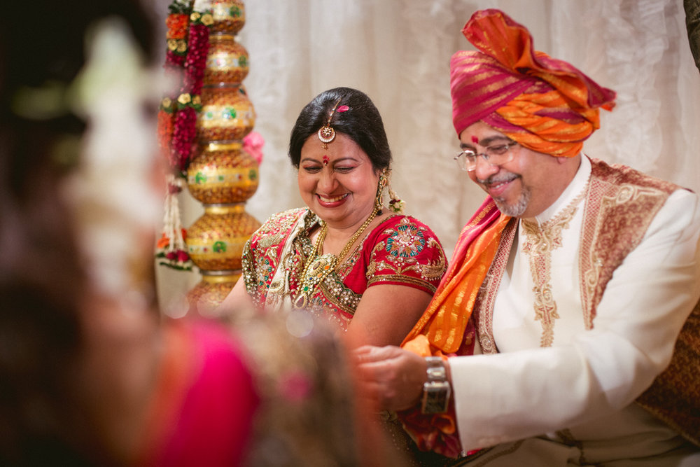 into-candid-photography-hindu-wedding-mumbai-ks-37.jpg