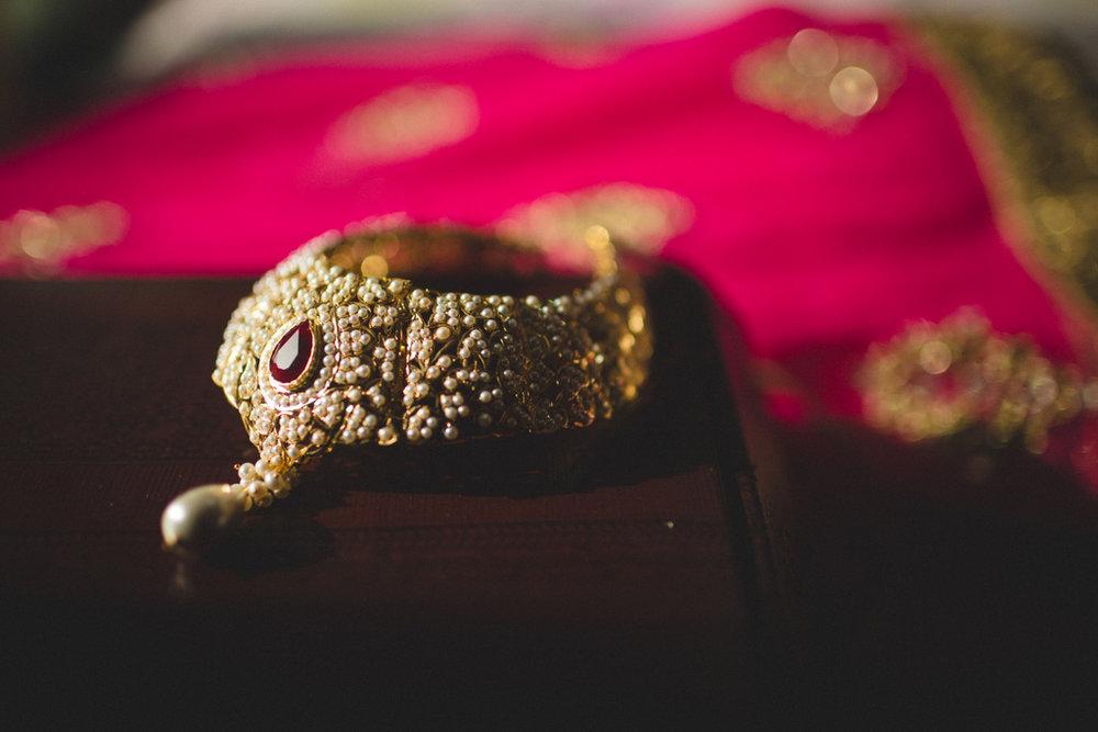 destination-wedding-photography-dubai-into-candid-gurudwara-rv-007.jpg