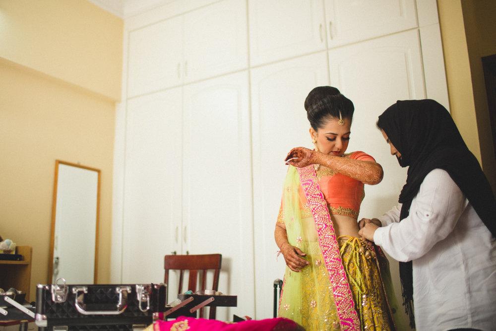 destination-wedding-photography-dubai-into-candid-gurudwara-rv-019.jpg
