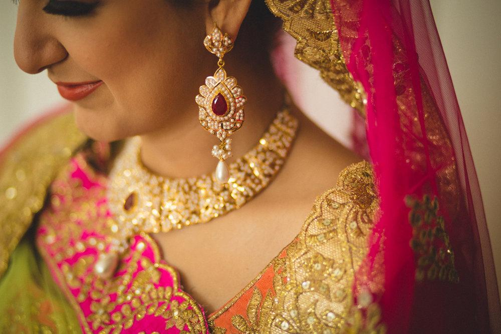 destination-wedding-photography-dubai-into-candid-gurudwara-rv-020.jpg