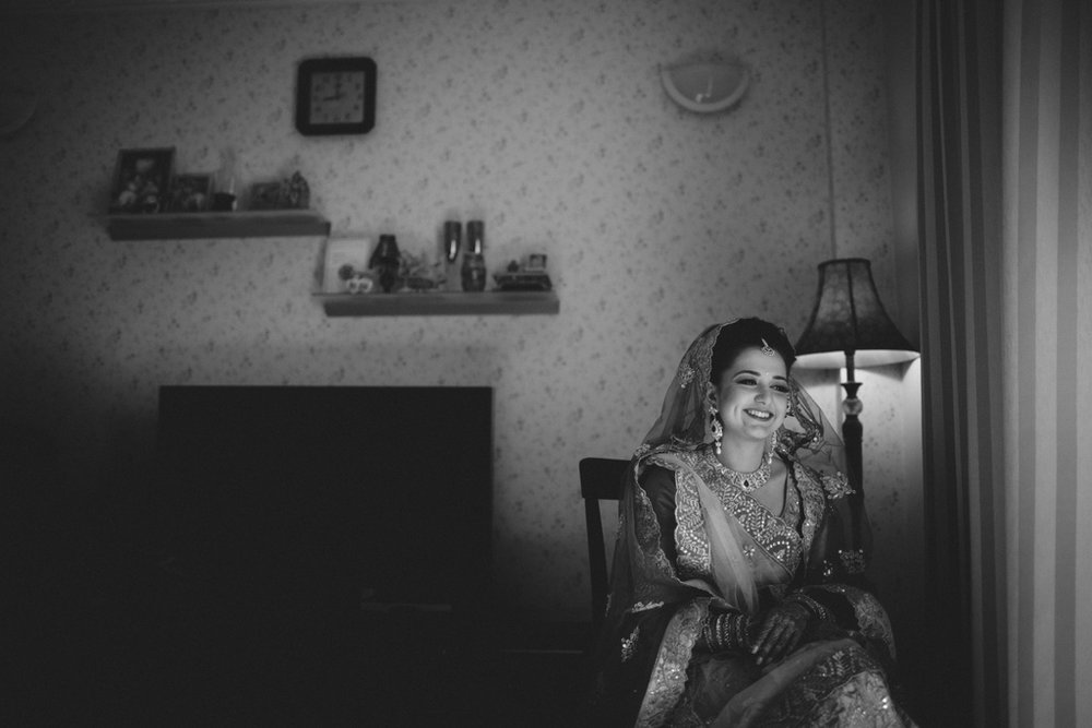 destination-wedding-photography-dubai-into-candid-gurudwara-rv-021.jpg