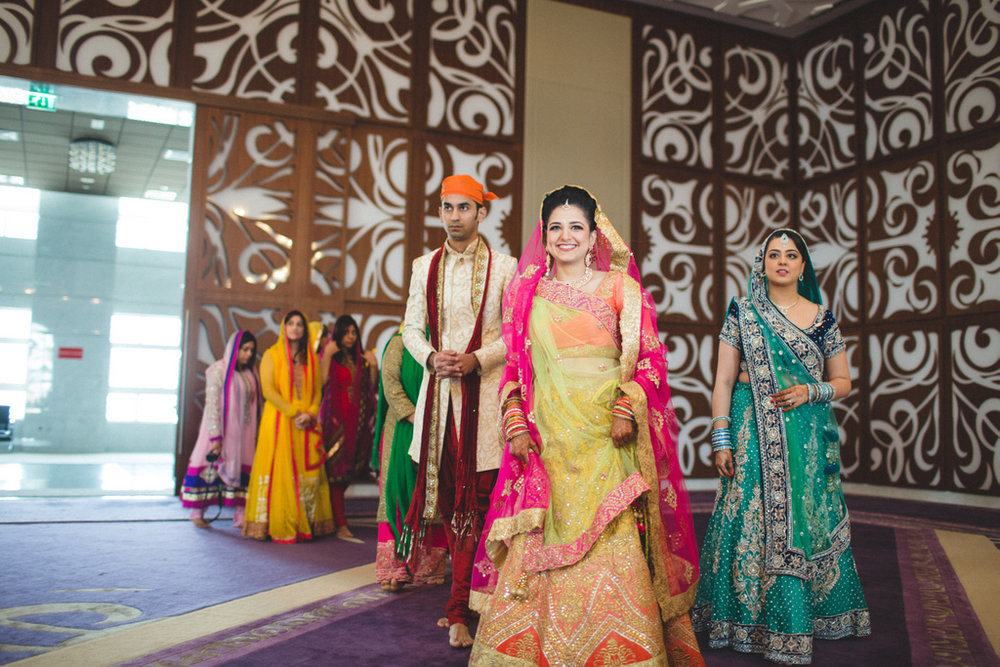 destination-wedding-photography-dubai-into-candid-gurudwara-rv-039.jpg