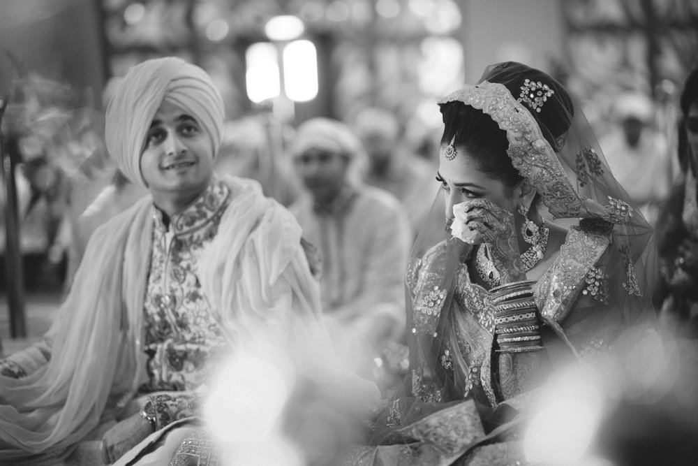 destination-wedding-photography-dubai-into-candid-gurudwara-rv-048.jpg