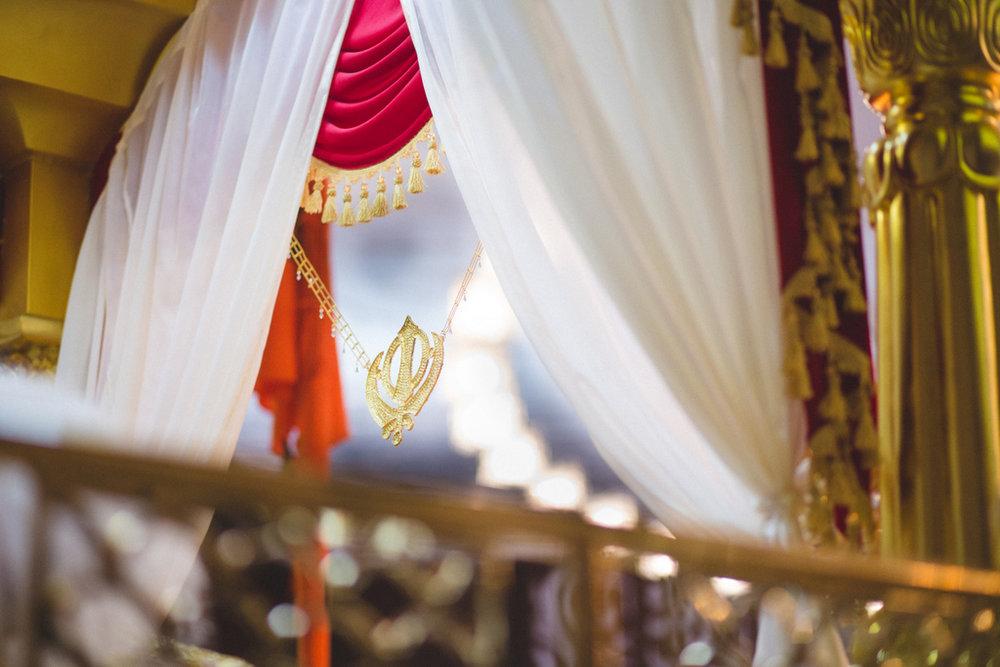 destination-wedding-photography-dubai-into-candid-gurudwara-rv-053.jpg