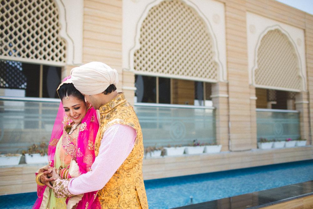 destination-wedding-photography-dubai-into-candid-gurudwara-rv-069.jpg