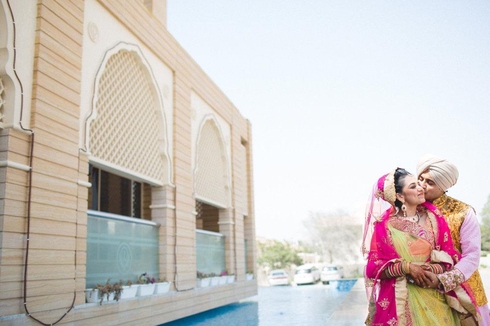 destination-wedding-photography-dubai-into-candid-gurudwara-rv-070.jpg