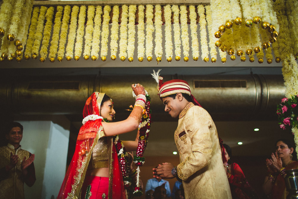 mumbai-candid-wedding-photographer-into-candid-av-31.jpg