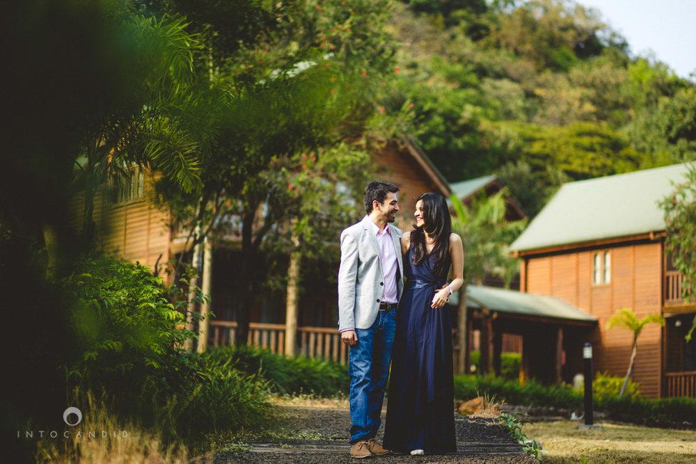 aambyvalley-lonavala-coupleshoot-prewedding-intocandid-ma-03.jpg