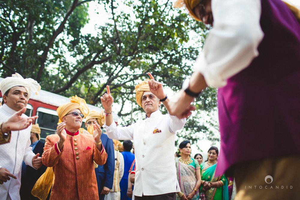 saharastar-mumbai-hindu-wedding-photography-intocandid-ma-29.jpg
