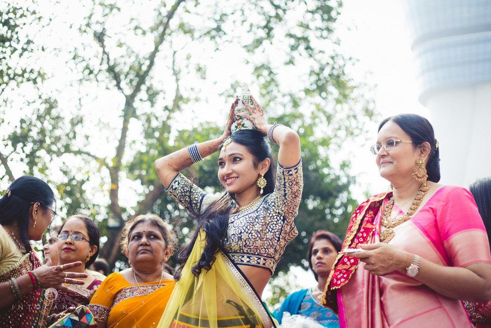 saharastar-mumbai-hindu-wedding-photography-intocandid-ma-31.jpg