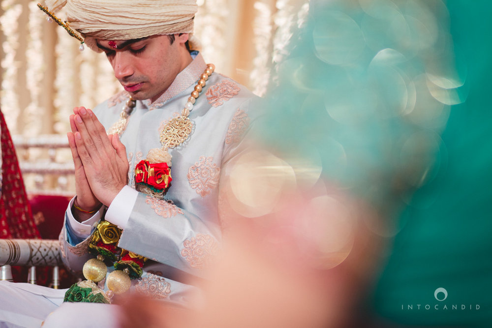 saharastar-mumbai-hindu-wedding-photography-intocandid-ma-35.jpg
