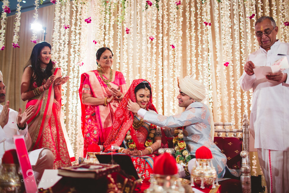 saharastar-mumbai-hindu-wedding-photography-intocandid-ma-39.jpg
