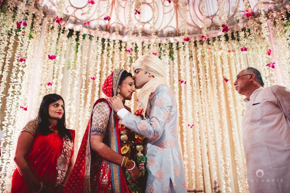 saharastar-mumbai-hindu-wedding-photography-intocandid-ma-48.jpg