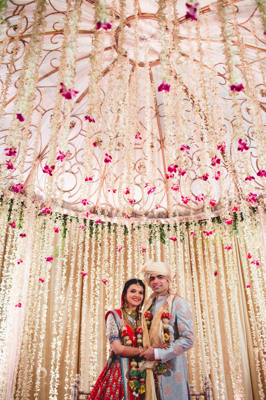 saharastar-mumbai-hindu-wedding-photography-intocandid-ma-49.jpg