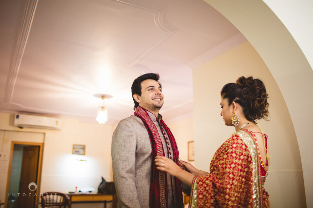 juhuhotel-mumbai-hindu-wedding-photography-intocandid-photography-nj-08.jpg