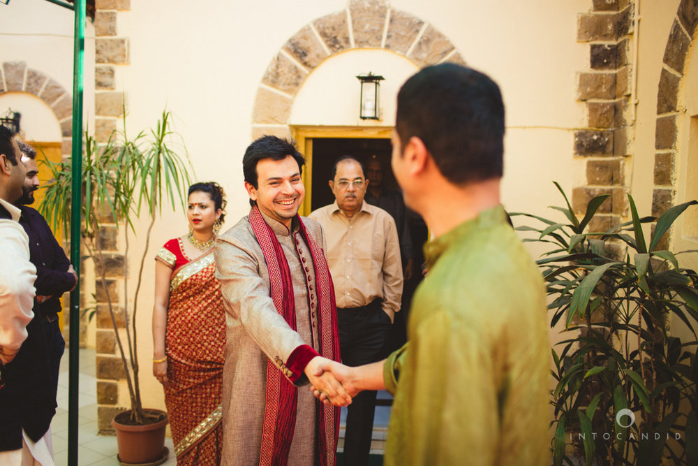 juhuhotel-mumbai-hindu-wedding-photography-intocandid-photography-nj-09.jpg