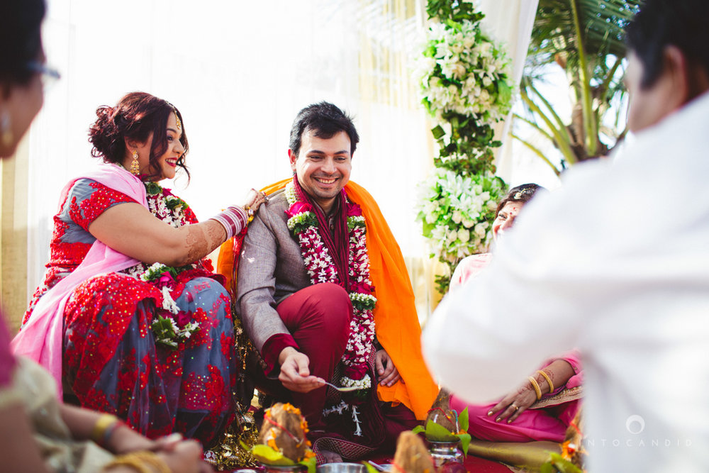 juhuhotel-mumbai-hindu-wedding-photography-intocandid-photography-nj-22.jpg