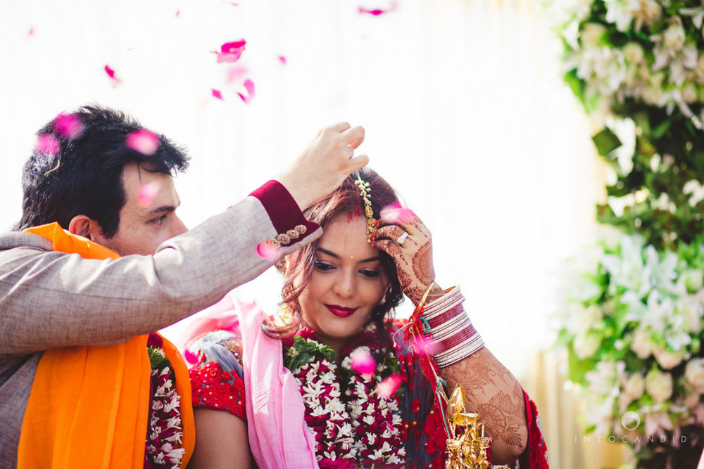 juhuhotel-mumbai-hindu-wedding-photography-intocandid-photography-nj-28.jpg