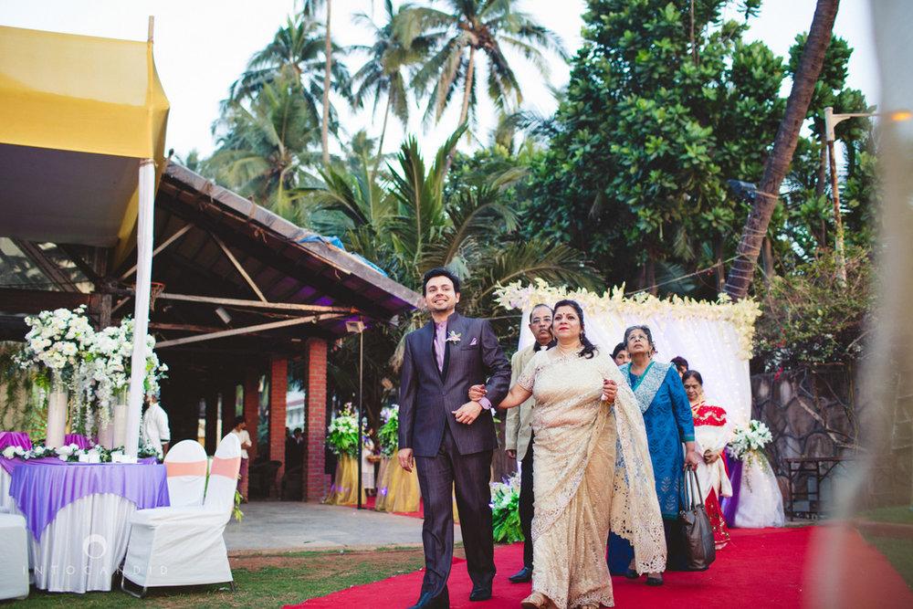 juhuhotel-mumbai-vowsexchange-photography-intocandid-photography-nj-41.jpg