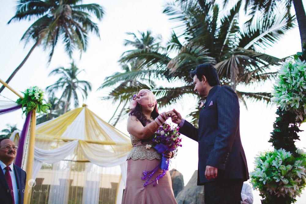 juhuhotel-mumbai-vowsexchange-photography-intocandid-photography-nj-43.jpg