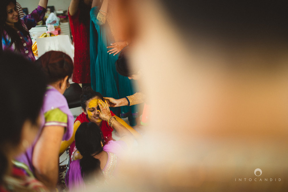 dubai-destination-wedding-into-candid-photography-haldi-pr-037.jpg