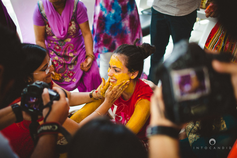 dubai-destination-wedding-into-candid-photography-haldi-pr-040.jpg