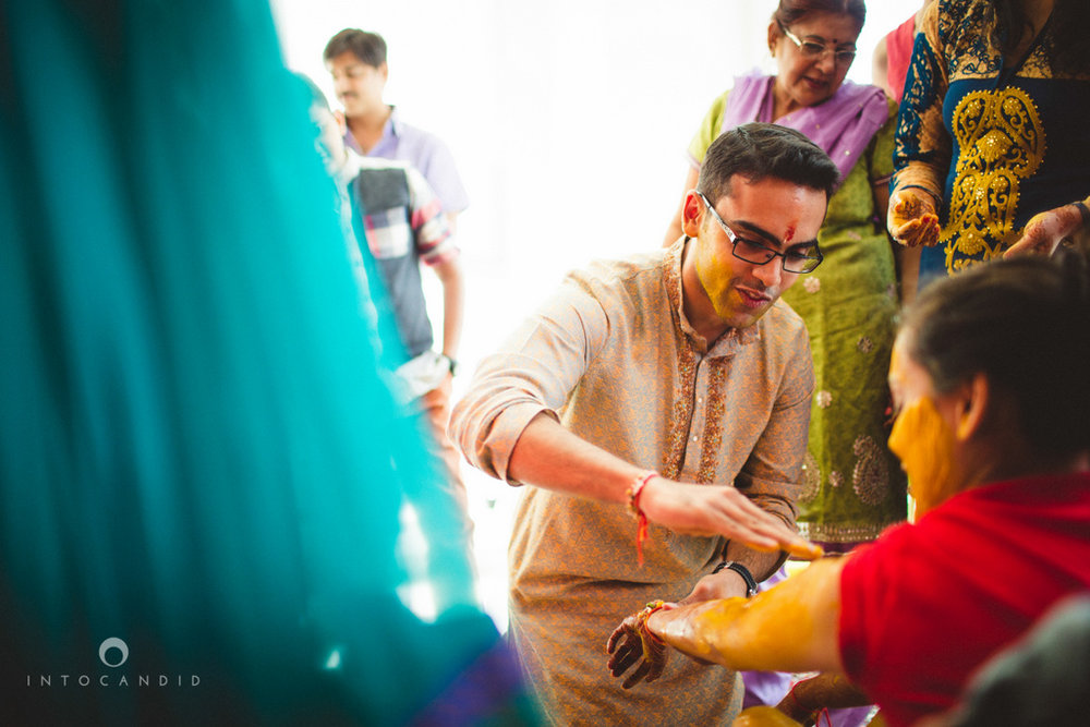 dubai-destination-wedding-into-candid-photography-haldi-pr-041.jpg