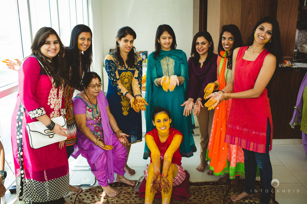 dubai-destination-wedding-into-candid-photography-haldi-pr-049.jpg