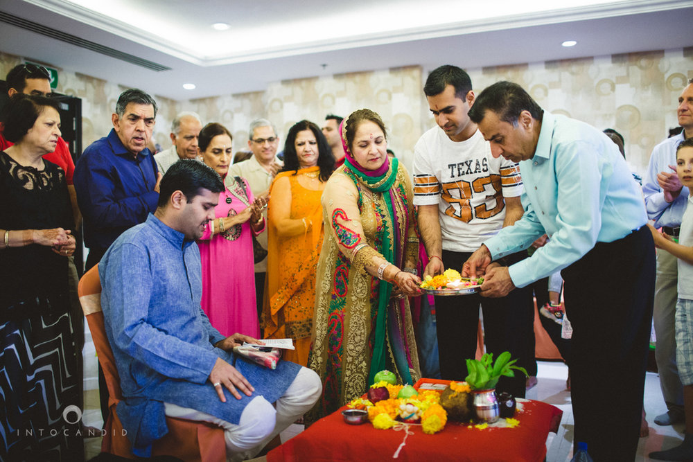 dubai-destination-wedding-into-candid-photography-haldi-pr-058.jpg