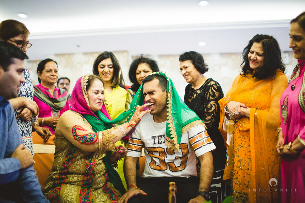 dubai-destination-wedding-into-candid-photography-haldi-pr-064.jpg