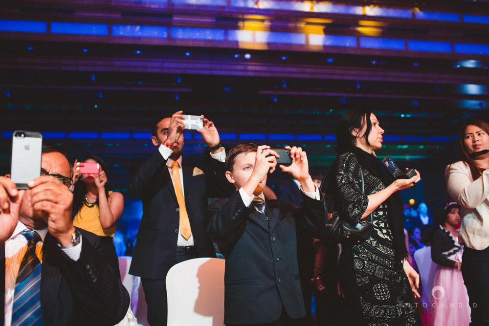 02-ritzcarltondifc-dubai-destination-wedding-reception-into-candid-photography-pr-162.jpg