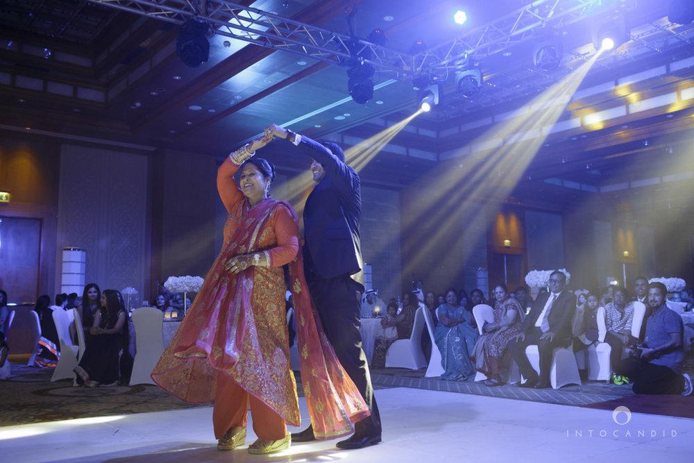 02-ritzcarltondifc-dubai-destination-wedding-reception-into-candid-photography-pr-176.jpg