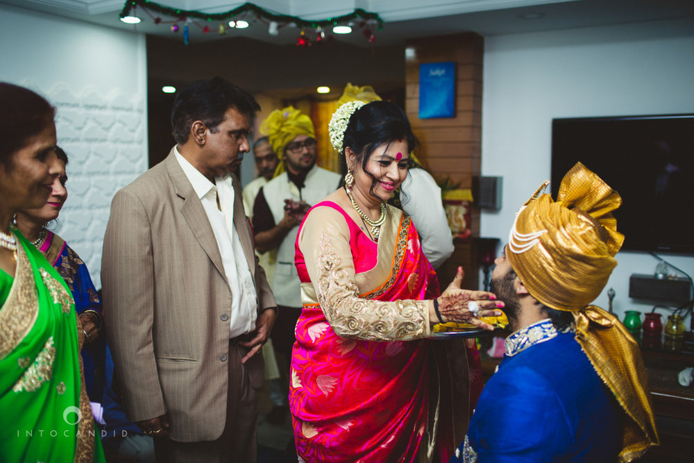 mumbai-pheras-intocandid-wedding-photography-ps-19.jpg