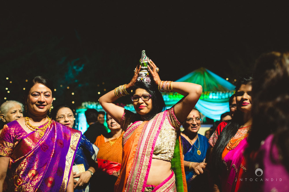 mumbai-pheras-intocandid-wedding-photography-ps-25.jpg